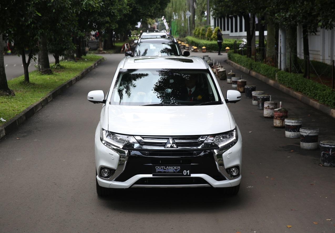Studi Bersama dan Sosialisasi Penggunaan Mobil Listrik Mitsubishi