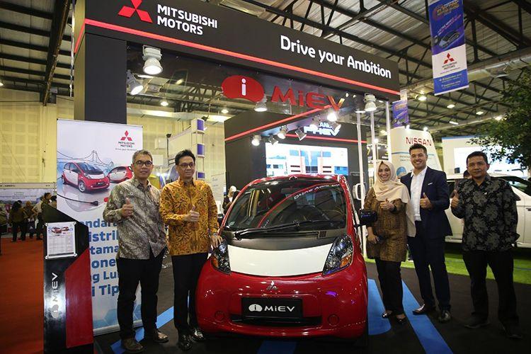 MITSUBISHI PAMERKAN KENDARAAN RAMAH LINGKUNGANNYA DI INDONESIA ELECTRIC MOTOR SHOW 2019
