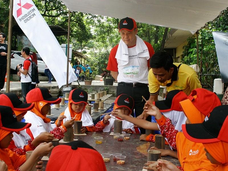Mitsubishi Berbagi Kebahagiaan dan Keceriaan Dengan Anak-Anak Panti Asuhan