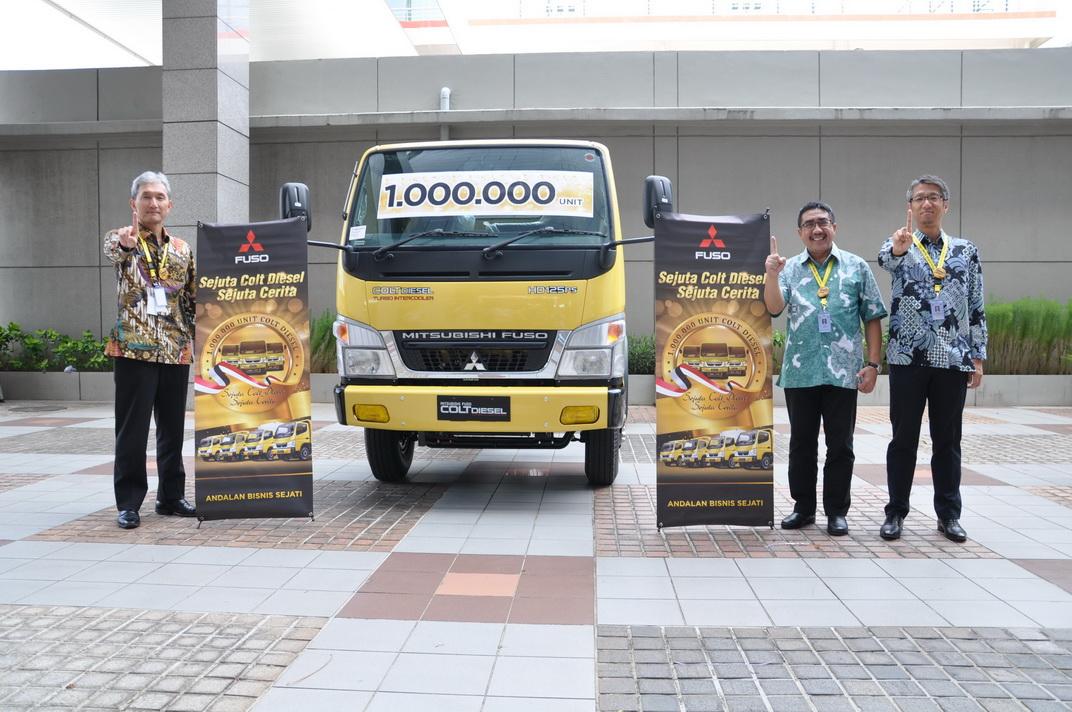 Mitsubishi Fuso Cetak Rekor Penjualan Satu Juta Colt Diesel